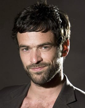 Romain Duris in All the Money in the World