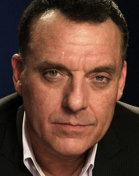Tom Sizemore in USS Indianapolis: Men of Courage